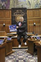 Rep. Davisson shows off for cancer research on Suits and Sneakers Day!